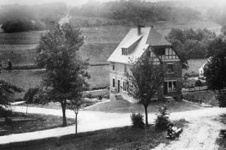 """Das Gasthaus """"Waldlust"""" kurz nach Fertigstellung (1908)"""